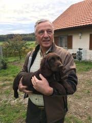 """Christian Jaques mit dem deutschen Wachtelhund """"Coco"""", der spurlos verschwunden ist. (Bild: PD)"""