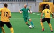 Raphael Rohrer (am Ball) tritt die Nachfolge von Francesco Clemente an. (Bild: Robert Kucera)