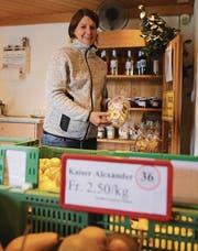 Der Hofladen von Claudia Germann zieht rund um die Uhr Kunden an. (Bild: Jolanda Riedener)