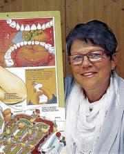 Sylvia Müller bot Generationen von Schülern Anleitungen zur richtigen Zahnpflege. (Bild: Ernst Hunkeler)