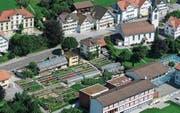 Wenn alles gut läuft, wird das Gebäude der Viola Floristik und Gärtnerei im Herbst abgebrochen. Neu gäbe es zwei Häuser und unten würde ein neues Gewächshaus gebaut werden. (Bild: PD)