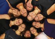 Die eingefleischte Mannschaft um Trainerin Esther Engler (oben Mitte) hält zusammen. (Bild: Robert Kucera)