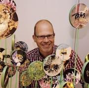 Unter Bienen: Der Direktor des Naturmuseums, Hannes Geisser, ist überzeugt, dass die Ausstellung gut ankommen wird. (Bild: art)
