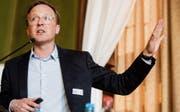 Stefan Pabst von der Denkfabrik W.I.R.E. zeigt aktuelle und künftige Entwicklung rund um das Thema Ernährung auf. (Bild: Reto Martin)
