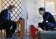 Mit Humor: Simone Keller und Philip Bartels bei ihrem Musikauftritt. (Bilder: Barbara Fatzer)