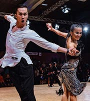 Pitt und Tiara Wibawa auf dem Parkett. (Bild: Reinhard Egli/Dance-Mag)