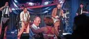 Die dänische Band Jordan's Drive hielt die Tanzwilligen bei Laune. (Bilder: Julia Kaufmann)
