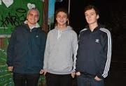 Gian-Andri Stahl sowie Timo und Jan Räbsamen (von links) sind Teil des 15-köpfigen Kollektivs, welches sich für die Schaffung eines selbstverwalteten Jugendzentrums in Wil einsetzt. (Bild: gia)