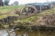 Das Wasserrad im Grüntal steht wegen eines Defekts still. (Bild: PD)