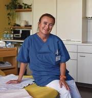 Die Hebamme Andrea Vlasak lernte ursprünglich Kinderkrankenschwester. (Bild: Jesko Calderara)