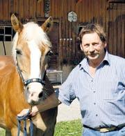 Hans Barmettler mit seinem Haflingerwallach Stany. (Bild: vs.)