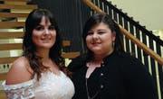 Die beiden Werdenberger Absolventinnen Ibadet Nuhiji (links) und Yasmin Orhan. (Bild: Markus Roth)