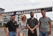Vier vom Vorstand des Romanshorner Sommernachtsfestes: Markus Diethelm (Bauchef), Madeleine Fisch (Kassier), Andreas Diethelm (Sicherheit/Verkehr) und Cello Fisch (Präsident). (Bild: Markus Schoch)