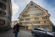 In der ehemaligen Drogerie in Trogen sind Wohnungen sowie Gewerbe- und Mehrzweckräume geplant. (Bilder: Jakob Ineichen)
