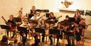 42 Kinder spielen 21 Musikstücke (Bild: Markus Bösch)