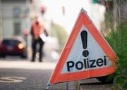 Polizei und Behörden sollen verpflichtet werden, die Verfahren bei Führerausweisentzügen speditiv abzuwickeln: Das fordern Ständerat und Bundesrat. (Bild: Urs Jaudas)