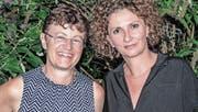Die vormalige und die aktuelle Präsidentin des Aadorfer Elternforums: Rebecca Roncoroni und Vesna Calori. (Bild: Kurt Lichtensteiger)