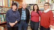 Die Biblio Sunneschy ist jetzt ein Verein: von links die Vorstandsmitglieder Heidi Gantenbein, Karl Blaas und Jenny Schwarz sowie Revisorin Trudi Belleville. (Bild: Hansruedi Rohrer)