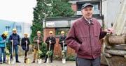 Der 89-jährige Mieter Alfons Oeschger freut sich auf den neuen Saal und die Parkanlage bei der Alterssiedlung. (Bild: Max Eichenberger)
