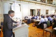 Motionär Hanspeter Gantenbein spricht im Frauenfelder Rathaus zu den Mitgliedern des Thurgauer Grossen Rats. (Bild: Donato Caspari)
