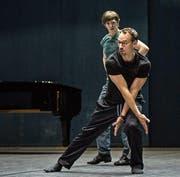 Christian Spuck bei der Arbeit zu seiner Choreografie «Der Sandmann». (Bild: Carlos Quezada)