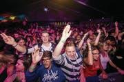 Die Stimmung vor der Bühne des BBC Open war ausgelassen. Jung und Alt feierten und tanzten zu den Klängen von Wincent Weiss, Nemo und Co. (Bild: Hannes Thalmann)