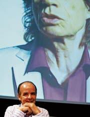 Der bekannteste Konzertveranstalter der Schweiz: André Béchir (68) an einer Pressekonferenz. (Bild: KEY)