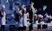 Die Kinderturner zeigen ihr Programm «Hotelküche». (Bild: Rudolf Steiner)