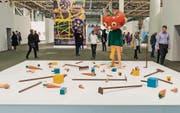 Der Amerikaner Paul McCarthy, der im Herbst mit einer Ausstellung in die St. Galler Lokremise kommt, zeigt an der Art Unlimited die Arbeit «Tomato Head (Green)» von 1994. (Bild: Art Basel)