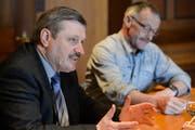 Die CVP Amriswil mit Präsident Benno Schildknecht (r.) stellt ihren Kandidaten André Schlatter fürs Stadtpräsidium vor. (Bild: Donato Caspari)