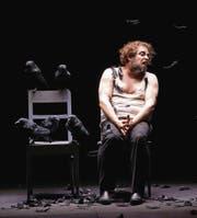Wie nackt auf der Bühne: Markus Brück als Macbeth am Zürcher Opernhaus. (Bild: Opernhaus Zürich/Monika Rittershaus)