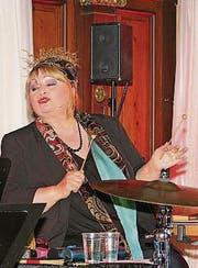 Dodo Hug begeisterte mit ihrem neuen Programm das Weinfelder Publikum. (Bild: Manuela Olgiati)