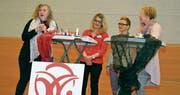 Botschafterinnen des Katholischen Frauenbunds wie Petra Scheiwiler aus Flawil unterhielten sich an der Tagung mit Referentin Carmen Susanne Frei. (Bild: PD)