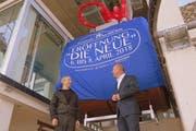 Roland Bartholet (rechts) und Daniel Lüchinger freuen sich über das Ostschweizer Gemeinschaftswerk (Bild: Reinhold Meier)
