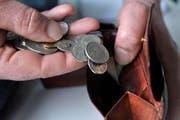 Achtung beim Geldwechseln: Nicht jeder, der einen um Münz bittet, meint es ehrlich. (Bild: Urs Jaudas)