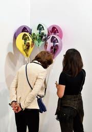 VIP-Besucherinnen der Art Basel. (Bild: Harold Cunningham/Getty (Basel, 13. Juni 2017))