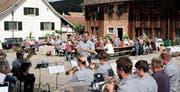 Der Musikverein Brass Band Schlattingen mit dem Dirigenten Markus Sauter. (Bild: Thomas Brack)