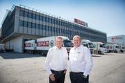 Rob Philipson (rechts), designierter Chef von Spar Schweiz, zu Gast in der Spar-Schweiz-Zentrale in St.Gallen, mit seinem Vorgänger Stefan Leuthold. (Bild: Urs Bucher)