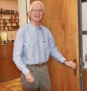 Werner Sulser hat die Schlüssel seiner Arztpraxis nach mehr als 40 Jahren abgegeben. (Bild: Heidy Beyeler)