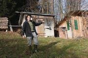 Peter Helfenberger auf seinem Land in Wuppenau. (Bild: Simon Dudle)