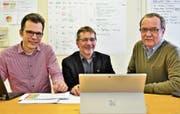 Leiteten je eine von sechs Arbeitsgruppen: Dominik Diezi, André Mägert, Max Gimmel. Sie stellten dem Stadtrat den Bericht vor. (Bild: Max Eichenberger)