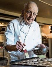 Hansueli Berger hilft mit 84 Jahren immer noch im Familienbetrieb mit. (Bild: Mareycke Frehner)