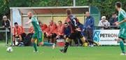Raphael Rohrer (links) wechselt beim FC Buchs vom Spielfeld auf die Trainerbank. (Bild: Robert Kucera)