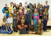 Das Ensemble des Kindertheaters Floh in ihren Aladin-Kostümen. (Bild: PD)
