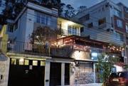 Unscheinbar, aber lukrativ: Das «St. Gallen Haus» im Norden Quitos bietet Studenten eine Bleibe. (Bild: PD)
