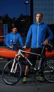 Ruedi Gamper (rechts) und Yair Camacho suchen den Kick im Kajak. (Bild: Benjamin Manser)