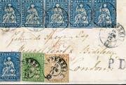 Der ungewöhnliche Brief an John de Speyr mit gleich acht Briefmarken. (Bild: APZ)