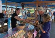 Am Dorfmarkt in Altnau wird frisches Brot verkauft. (Bild: PD)