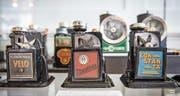 Die Retro-Logos auf den Klingenschneidern sprechen auch Ästheten an. Unten: Der Dixon's Pencil Sharpener ist der älteste ausgestellte Spitzer. (Bilder: Urs Bucher/PD)
