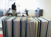 Pro Jahr fällt die Kesb Werdenberg rund 600 Beschlüsse und bearbeitet zirka 600 Dossiers. (Bild: Gaëtan Bally/Keystone)